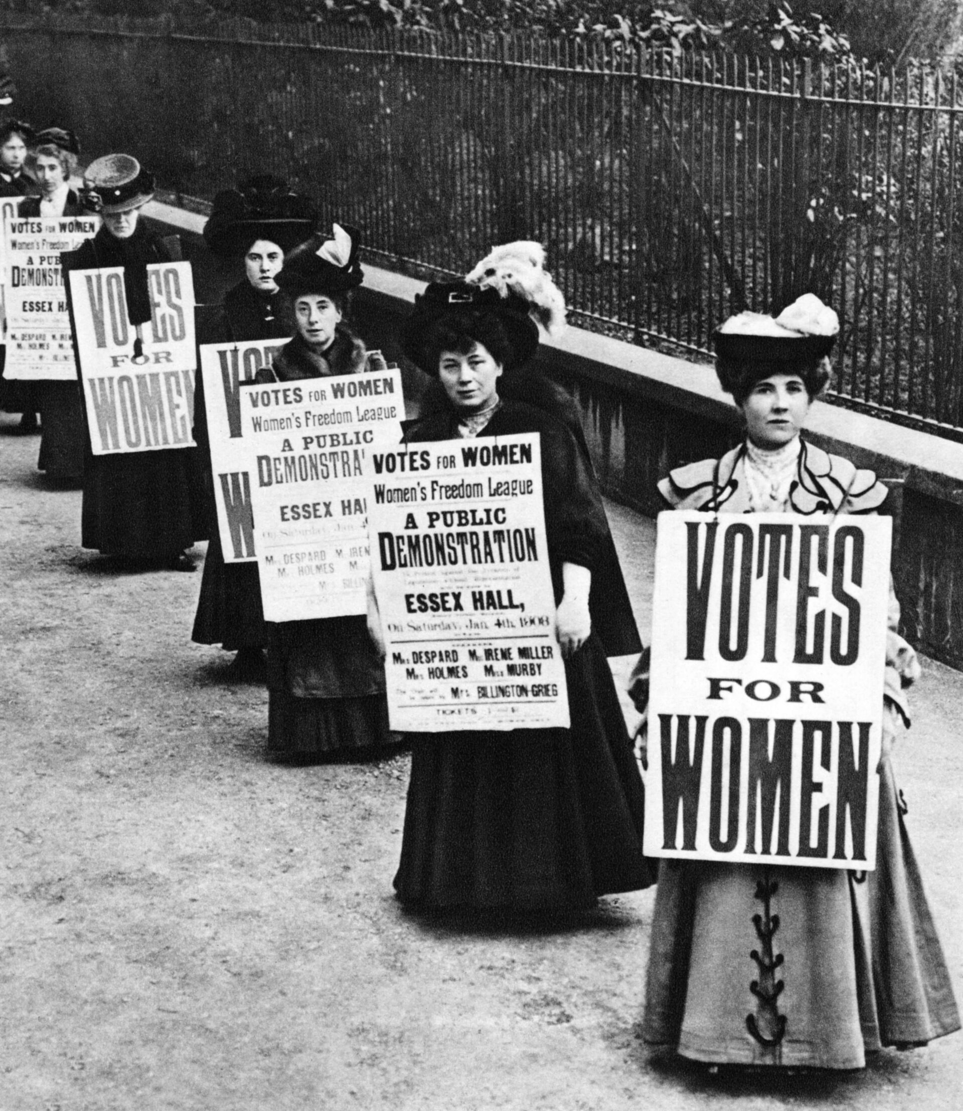 old fashioned vote for women photo